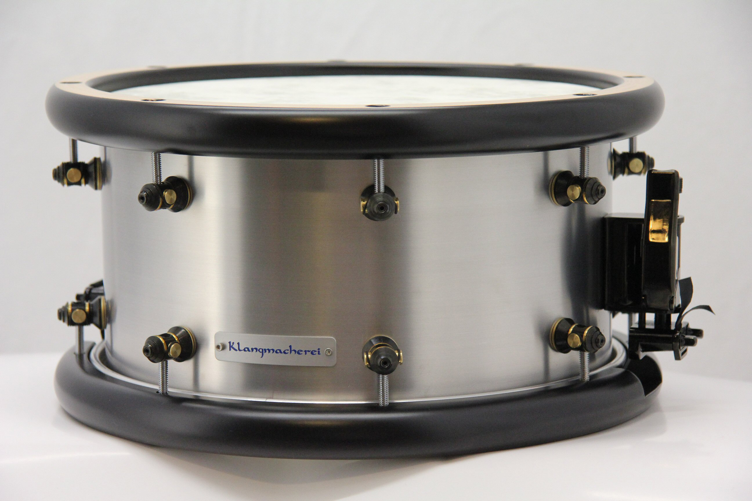 Eine Snare-Drum aus Alu. Produkt der Klangmacherei