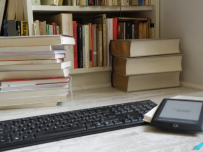 Bücher, Buchveröffentlichung, Selfpublishing, Verlag texthandwerk, Lektorat, Texthandwerkerin und Bücher